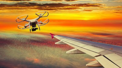 倫敦上空無人機險撞空中巴士!相距 20 米驚險掠過飛機翼尖