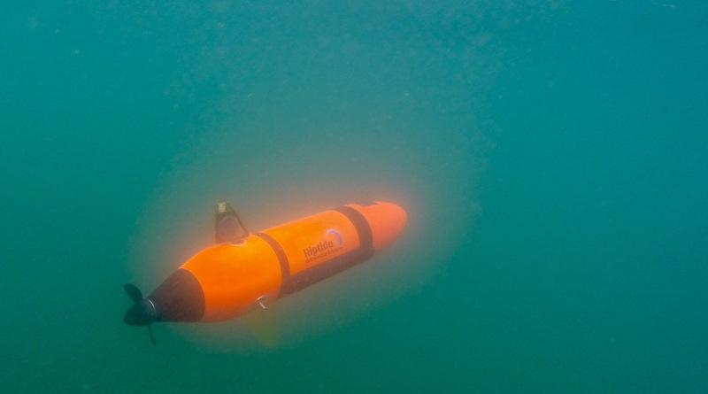 Riptide micro-mini UUV 在水底