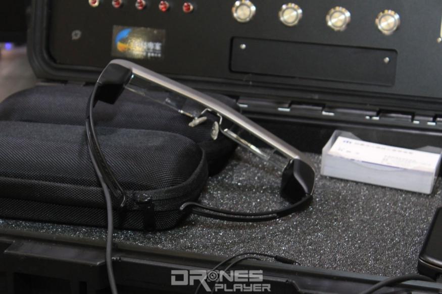 雙眼式智慧眼鏡沒有單眼式的視覺落差,適合長時間穿戴使用。