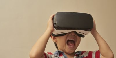 Samsung 擬開發高端 VR 眼鏡 挑戰 HTC Vive•Oculus Rift