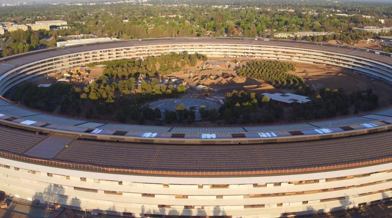 Duncan Sinfield 於 2017 年底空拍 Apple Park