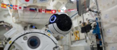 在國際太空站的 Int-Ball 無人機(照片來源:JAXA/NASA)