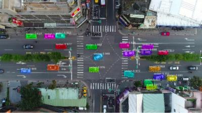 無人機拍攝馬路現場 深度學習分析交通黑點
