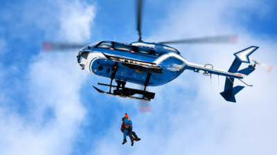 無人機阻礙直昇機拯救行動 垂釣者被逼等待救援