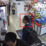 【高清 CCTV 片段曝光】大膽港叔光天化日偷航拍機 商店已報警