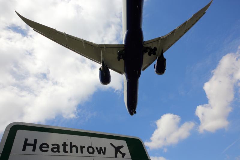 英國再有無人機驚魂 倫敦希斯路機場一度暫停起飛