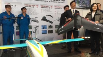 5 + 2 創新產業博覽 展出台製定翼無人機