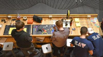 校園設施丟空超過 40 年 改建成地下無人機實驗場