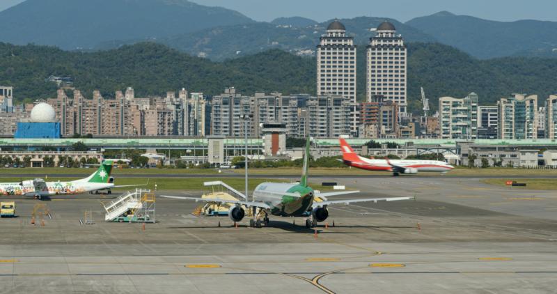 松山機場再被無人機入侵 一度關閉近 1 小時 600 多人受影響