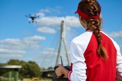 無人機駕駛員被列作新職業 成為執照飛手的成本和回報如何?