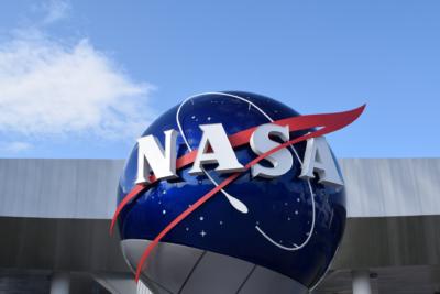 NASA 派 8 槳無人機「蜻蜓號」探索泰坦 最快 2034 年到達