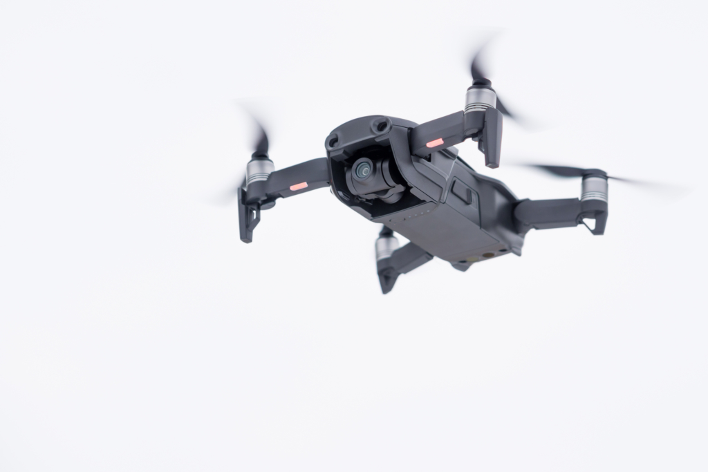 2 男空軍基地附近控飛無人機 成新加坡首宗個人被起訴案件