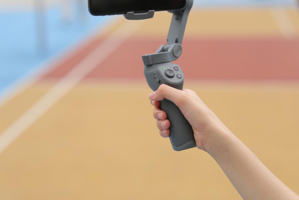 DJI Osmo Mobile 3 登場 可摺疊更輕巧 手勢控制方便自拍