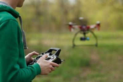 澳洲男子違規操作無人機滋擾鄰居 被法院罰款 7750 澳元