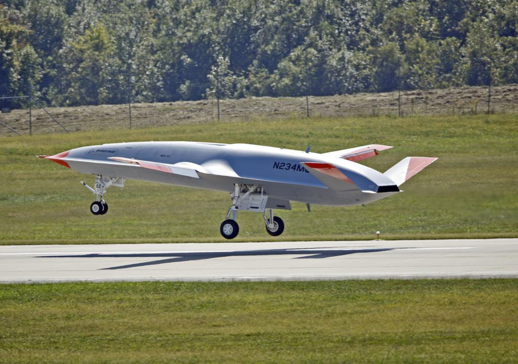 空中為戰機加油! 波音 MQ-25 艦載無人機完成首次飛行測試