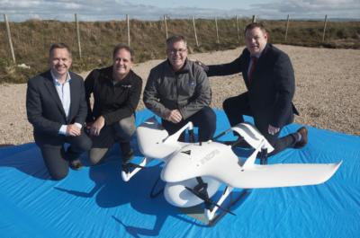 15 分鐘飛越 18 公里海峽 無人機為愛爾蘭離島糖尿病患送藥