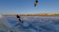 Skydio 2 貼近波濤跟拍衝浪者 超越極限完成任務!