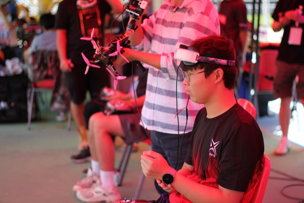 韓國冠軍青年飛手:在香港比賽很有趣 挪威選手:競速穿越機夠刺激