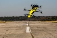 空中翻滾! DCL 推飛行遊戲並亮相首款可載人特技飛行多軸機