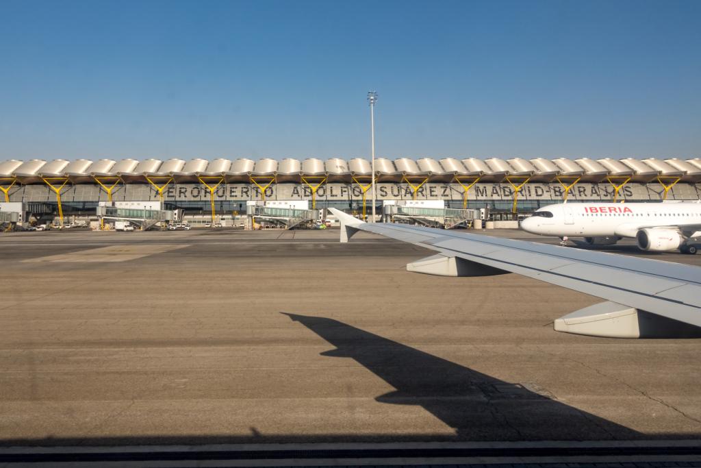 男子違規航拍超級盃被控 西班牙機場被無人機闖入關閉 2 小時