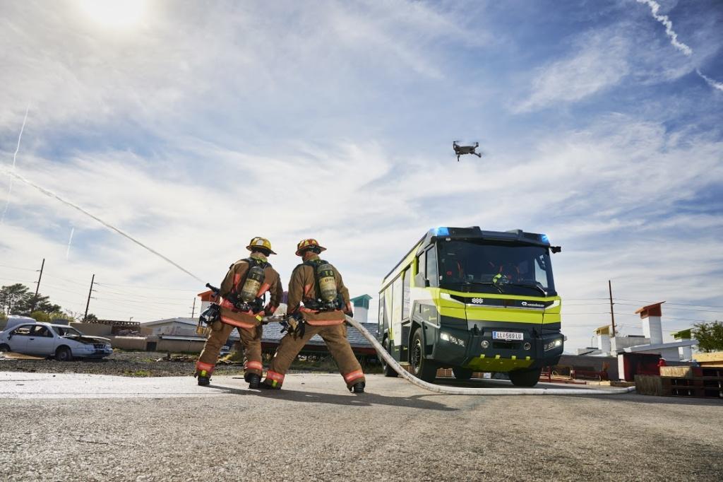 DJI X Rosenbauer 為消防車配備無人機 集成數據至消防系統