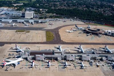 無人機闖格域機場續聞:英警向誤捕父婦賠償 20 萬英鎊