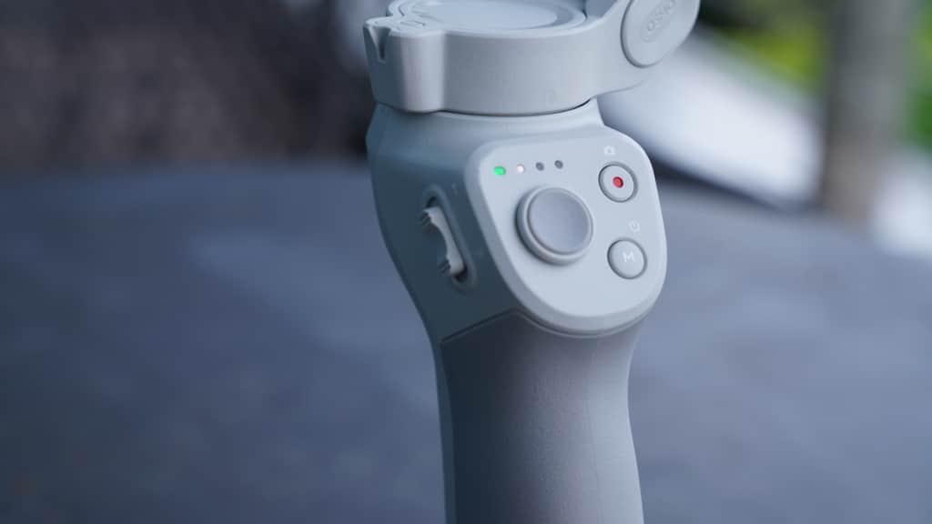 DJI OM 4 開箱:磁吸設計裝卸手機更快捷 實測吸力強度